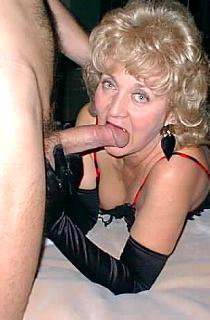 ClassyCarol - Carol is a mature 50 something housewife next door who loves to take her guys in hand