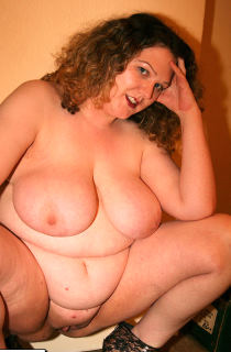 This busty British BBW is a true cockoholic and knows just how to turn you on. A definate MUST SEE for all BBW fans