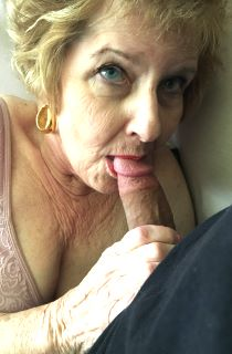 CougarChampion. He's fucked grannies from 5 different continents in every way possible. Hes the true Granny Fucker.