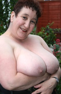 Bbw kim british amateur