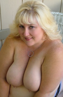 TaffySpanx. This curvy blonde BBW has all the right assetts to leave you drooling for more. A must see for all BBW fans